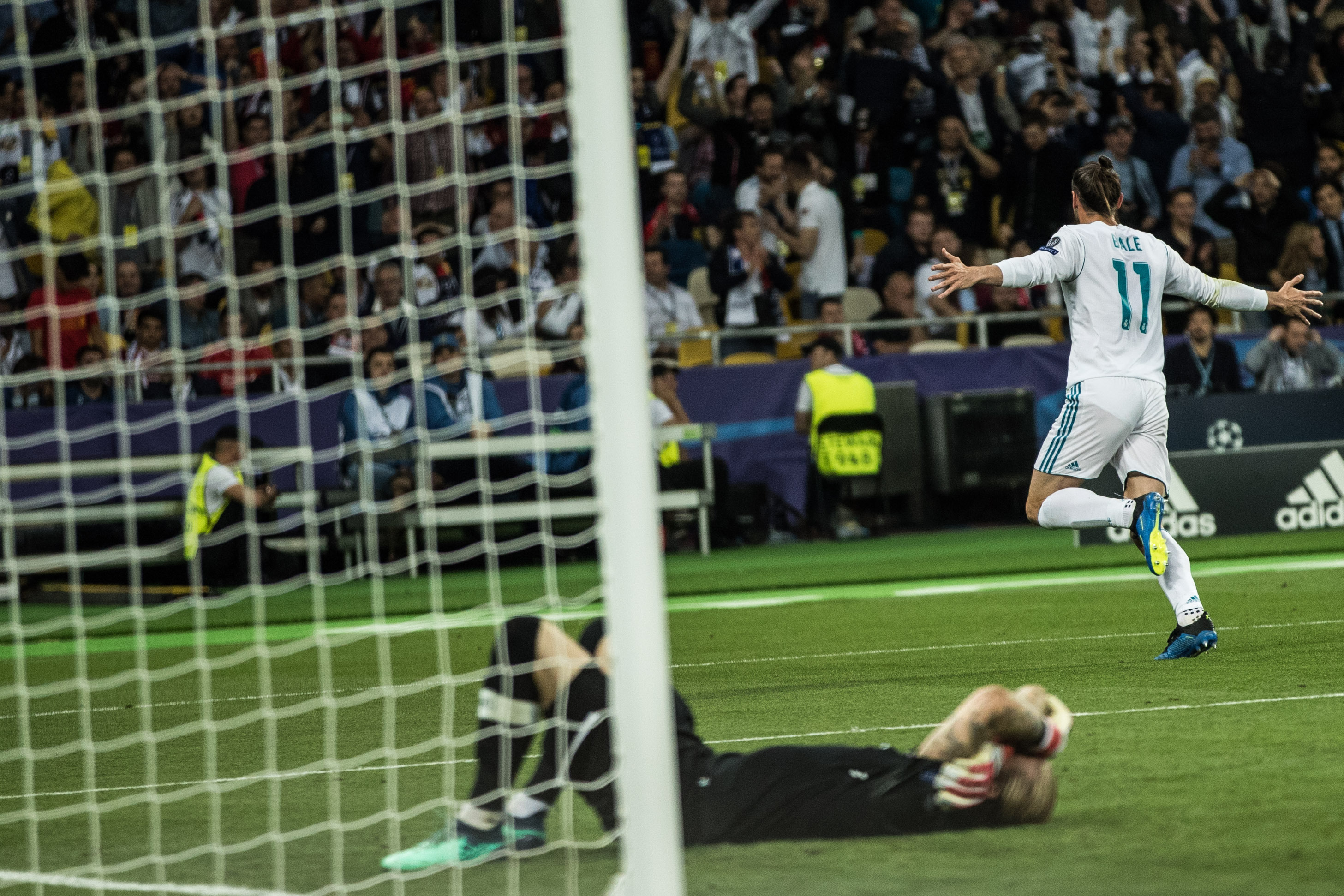 Two bicycle kicks for the history books — Real Madrid
