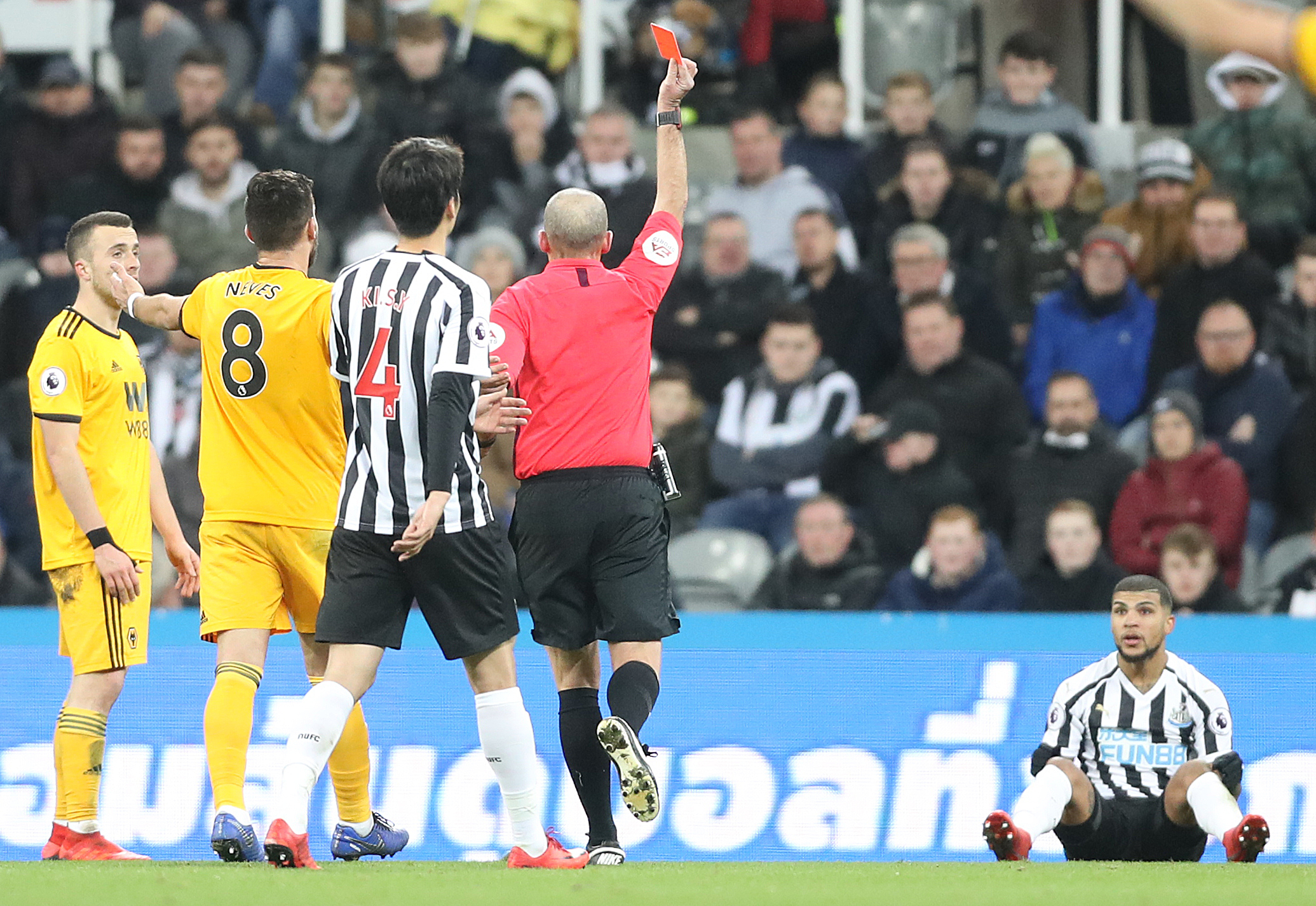 Wolves grab injury-time victor against Newcastle
