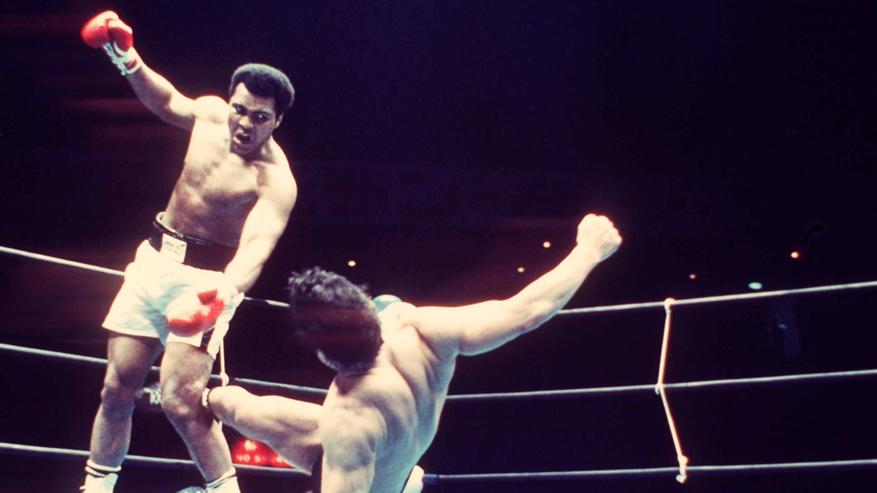 Inoki lands another kick on Muhammad Ali. Image: PA Images