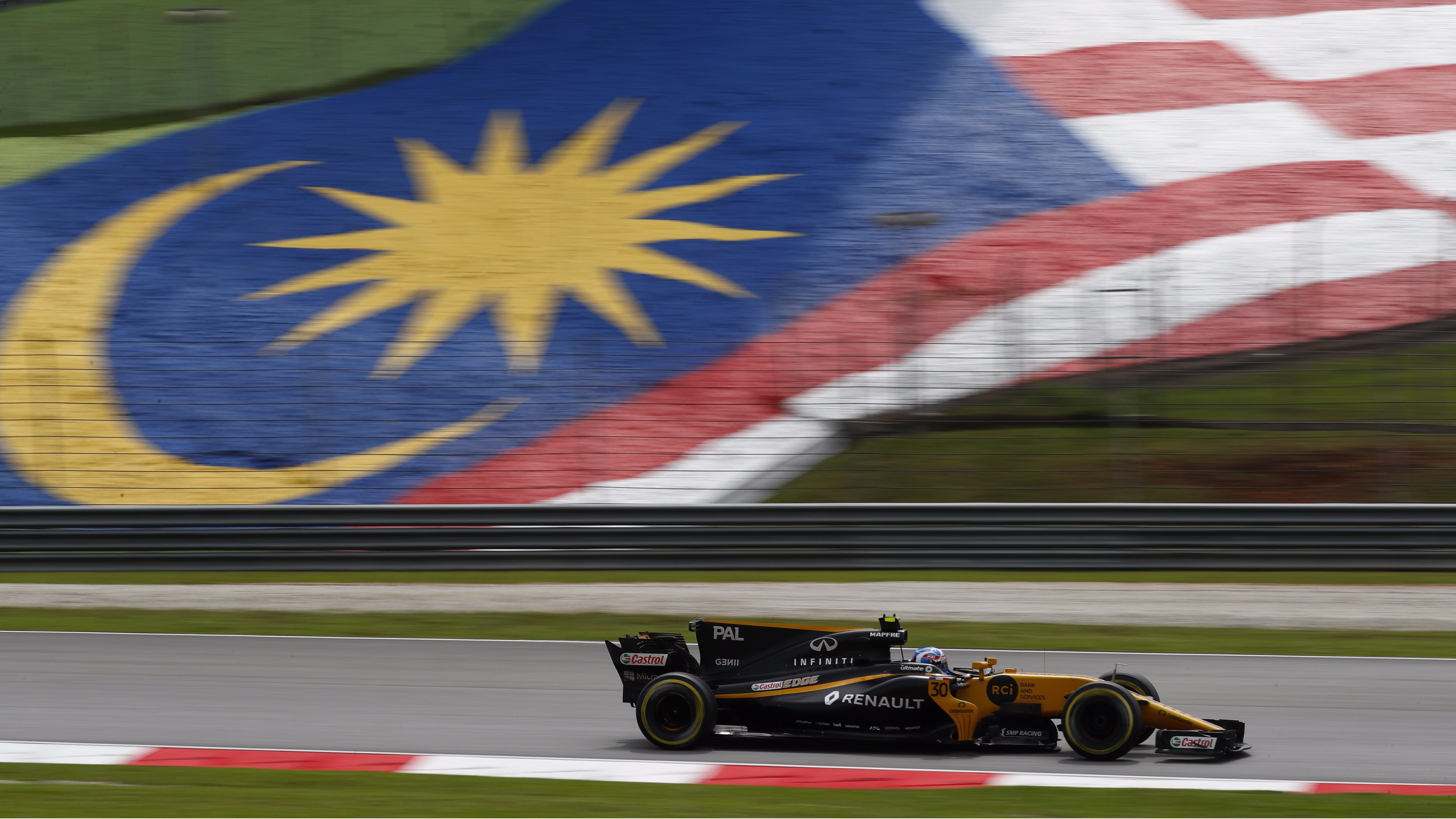 Rival Teams Take Issue With FIA Tech Man's Potential Renault Move