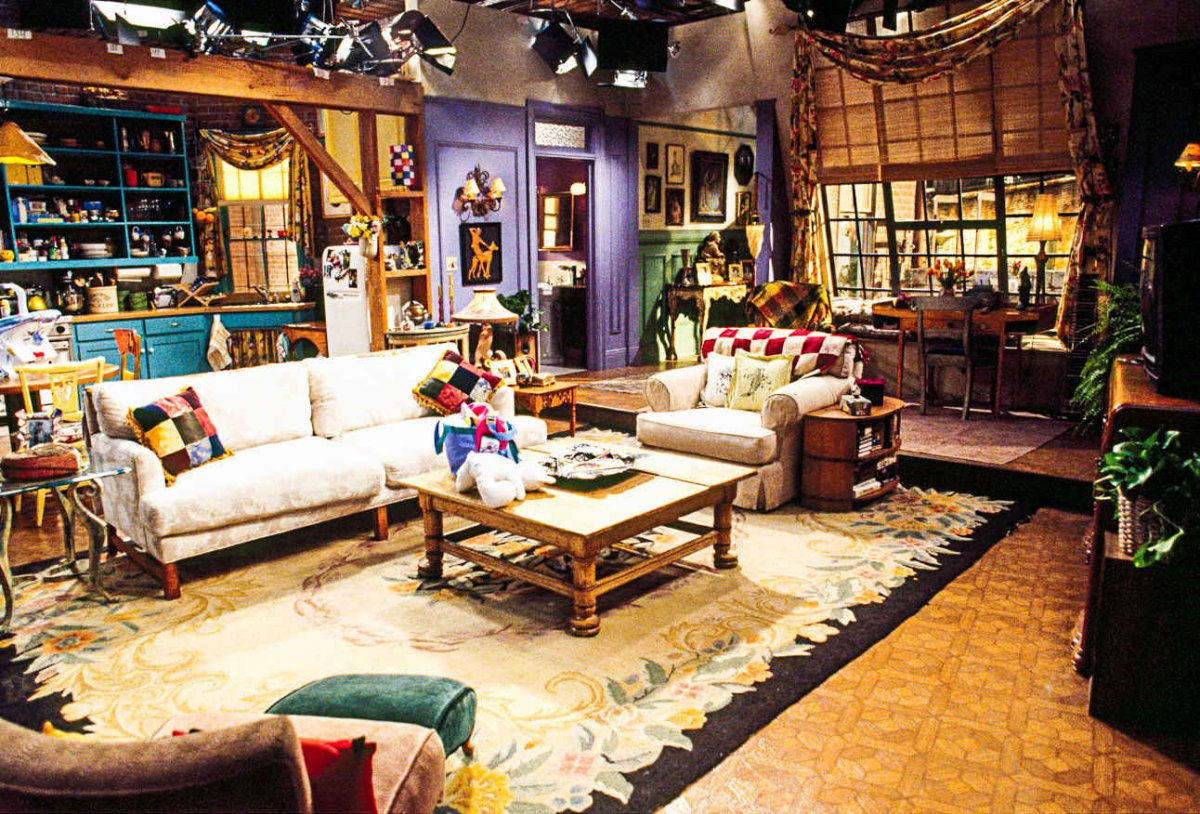Monica And Chandler S Apartment Costs A Ridiculous Amount
