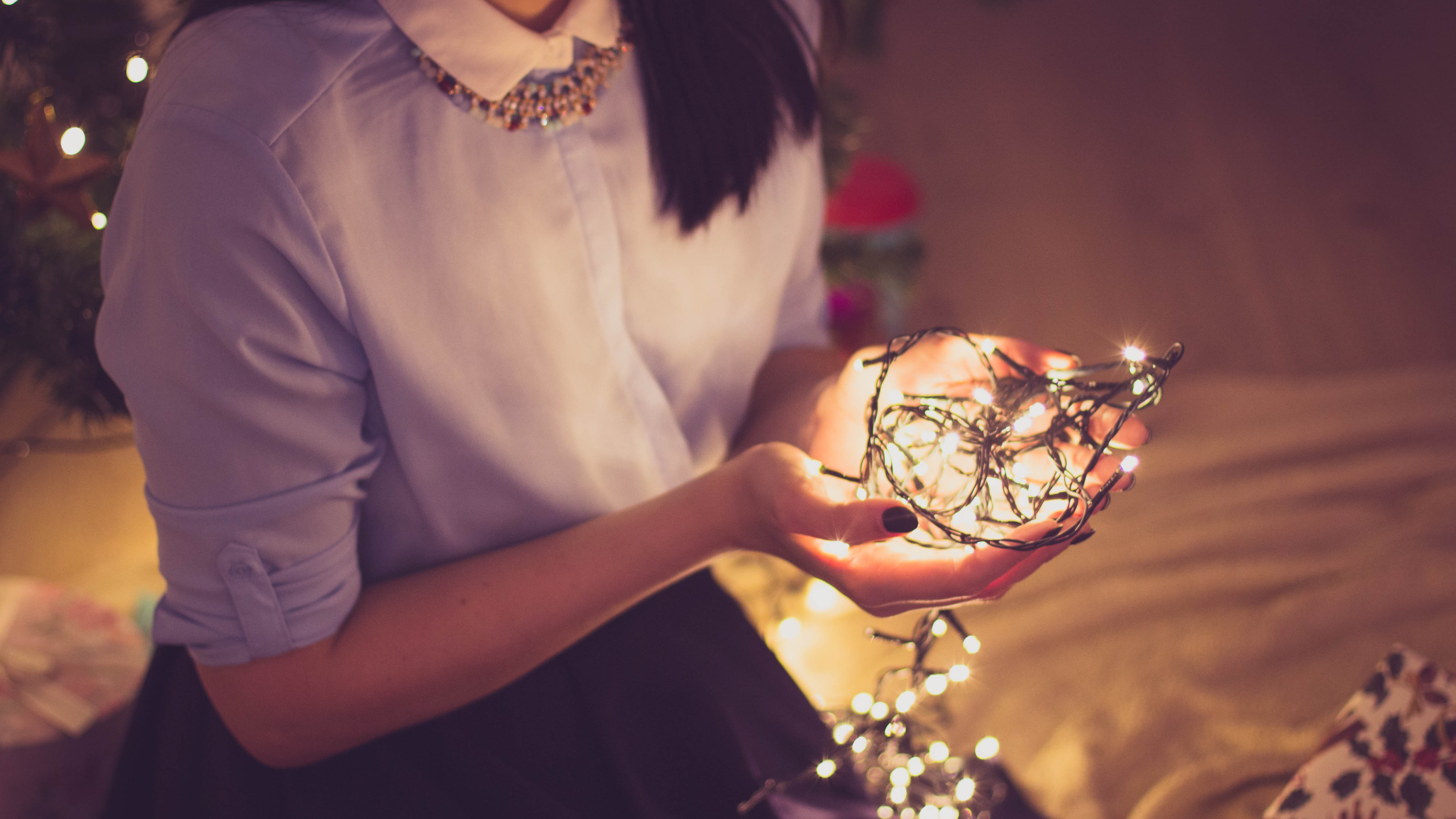 Keeping Your Christmas Lights Up 'Is Good For Your Mental Health'