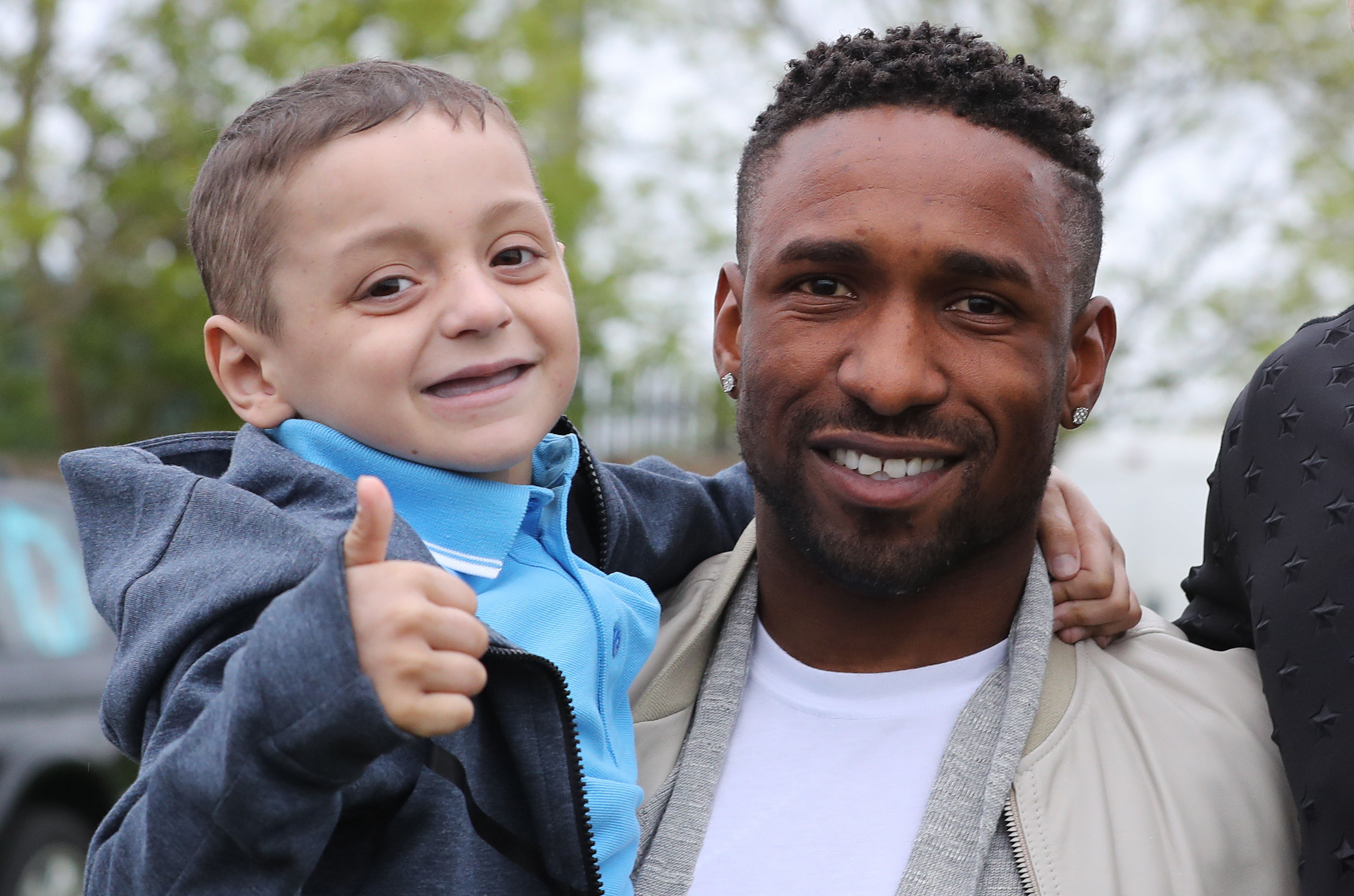 Jermain Defoe pays heartfelt tribute to young cancer fighter Bradley Lowery