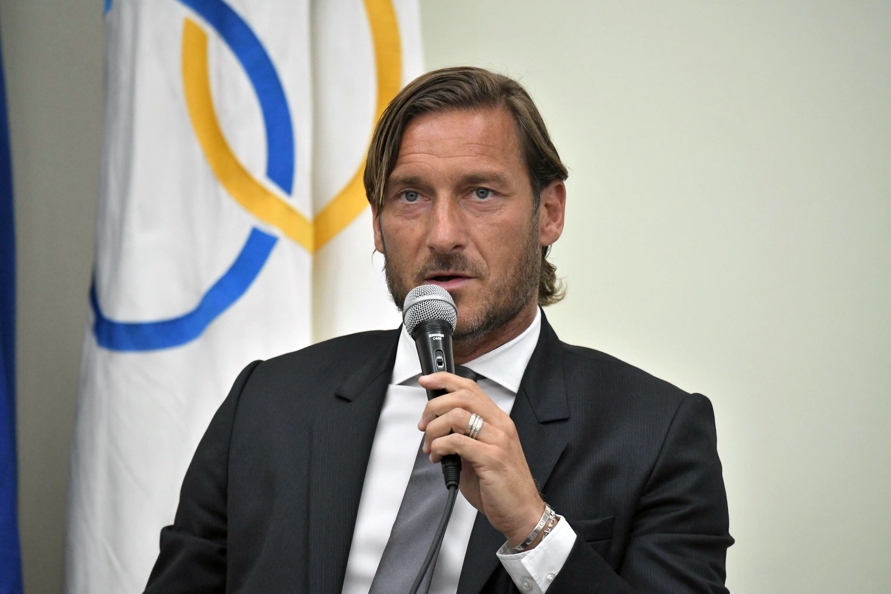 Roma hit back at 'fanciful' Totti claims following club legend's exit