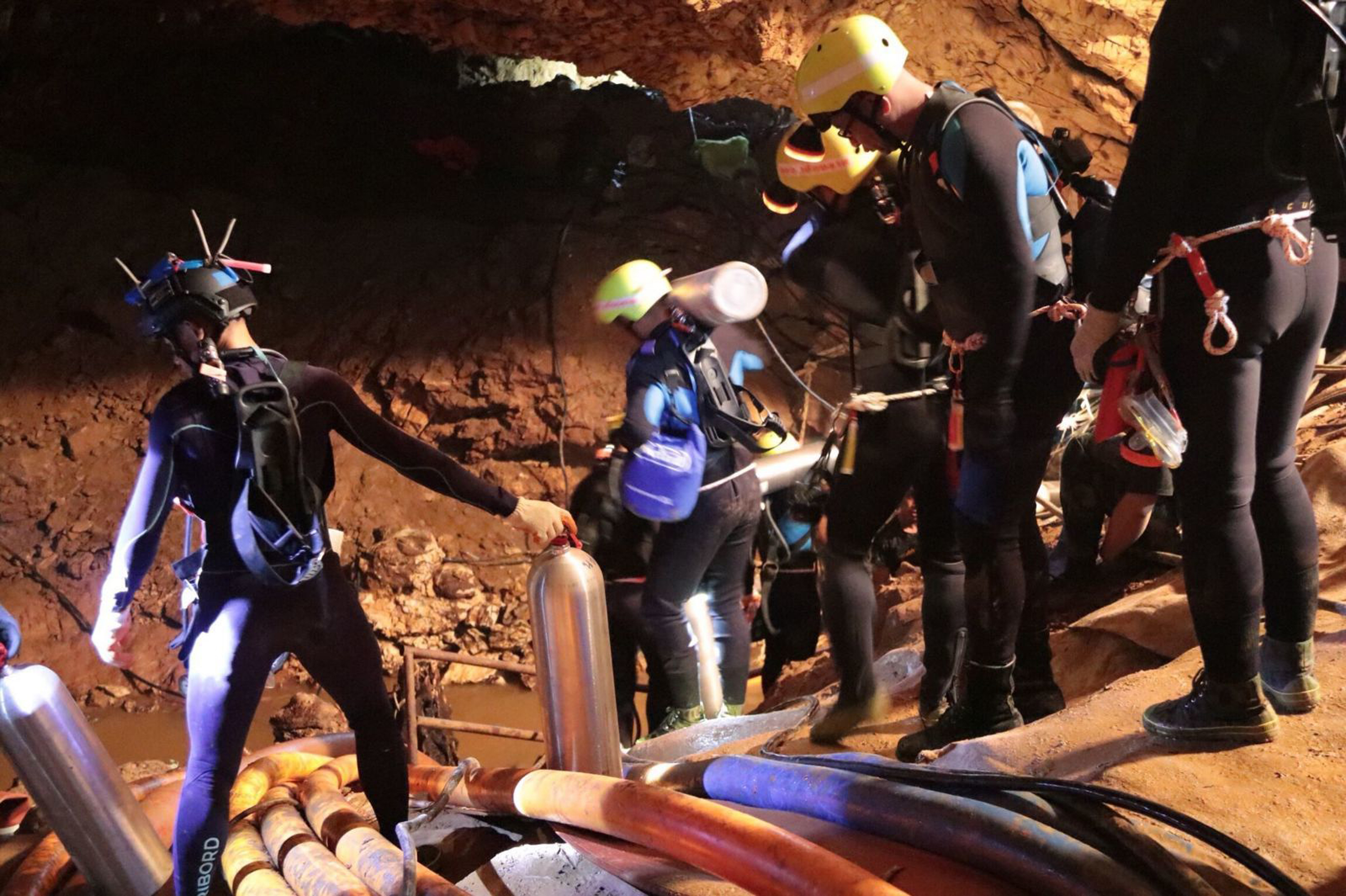 Incredible operation in pictures: All 12 boys, coach rescued from Thailand cave