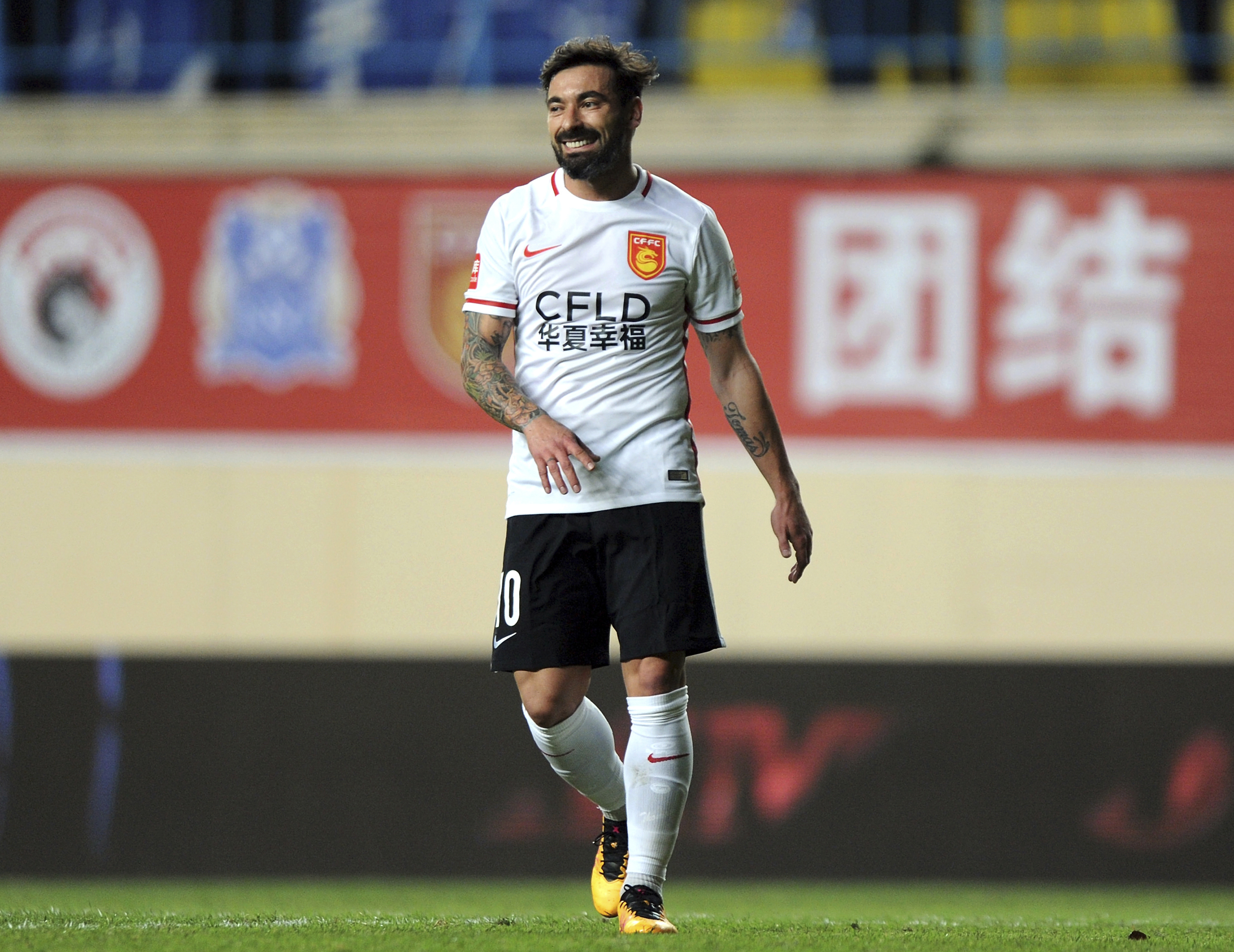 Ezequiel Lavezzi Forced To Apologise Following Racist Picture