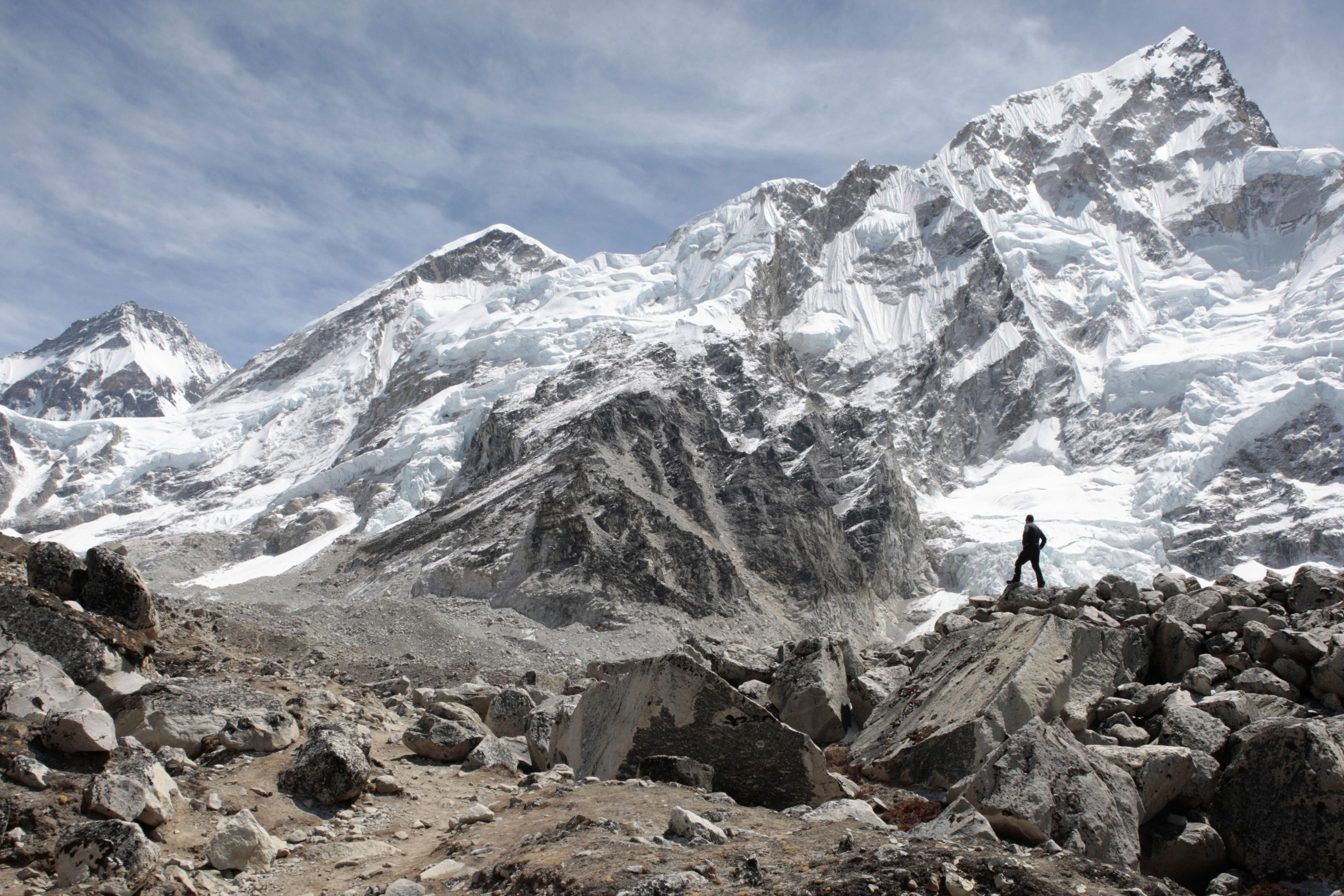 Glacier melt on Everest exposes bodies of dead climbers