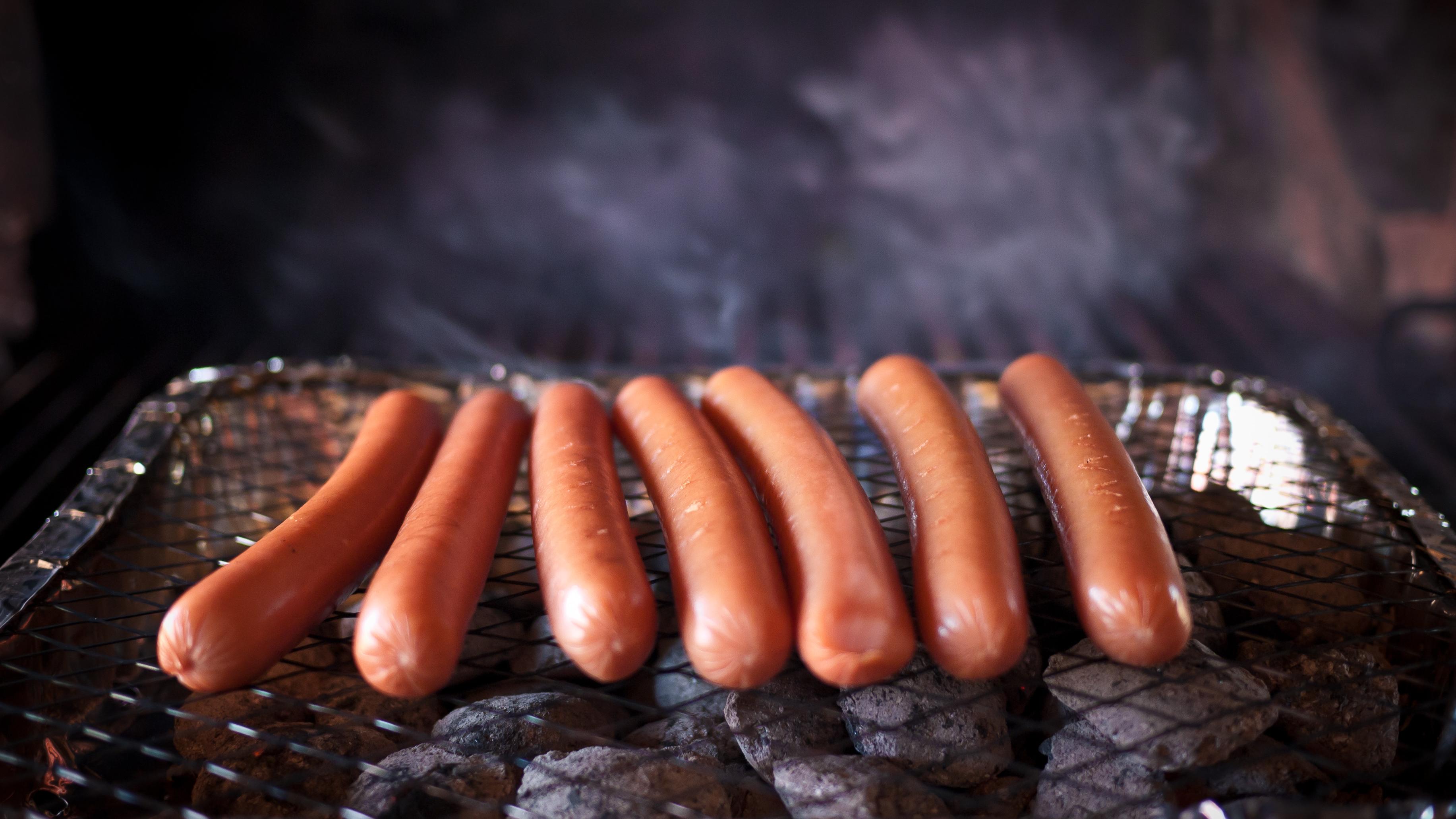 Man Trolls Festival-Goers By Selling Hot Dog Water For £30 A Bottle