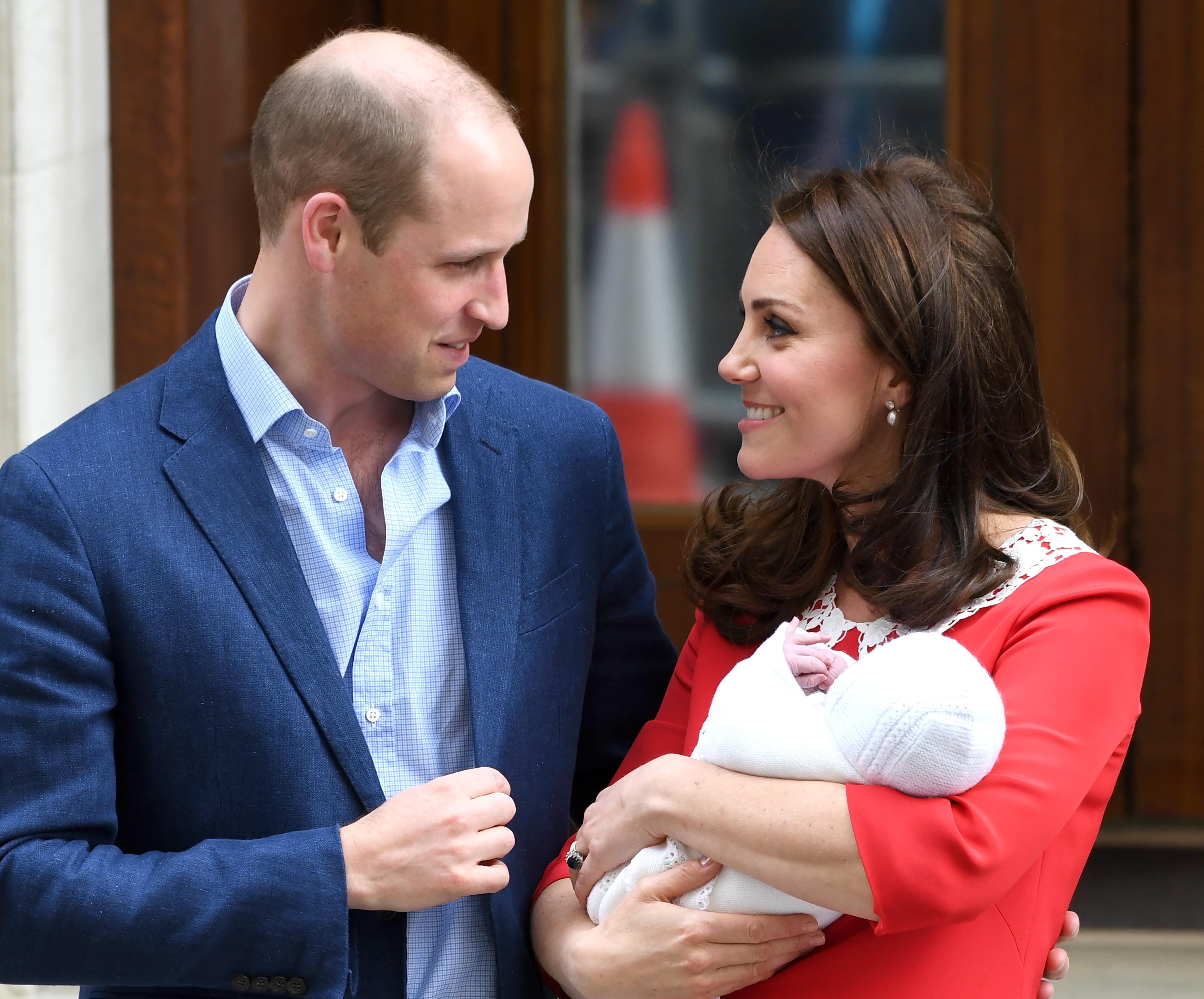 Pregnant Pippa Middleton Turns to 'Walking Baby Encyclopedia' Duchess Kate for Advice
