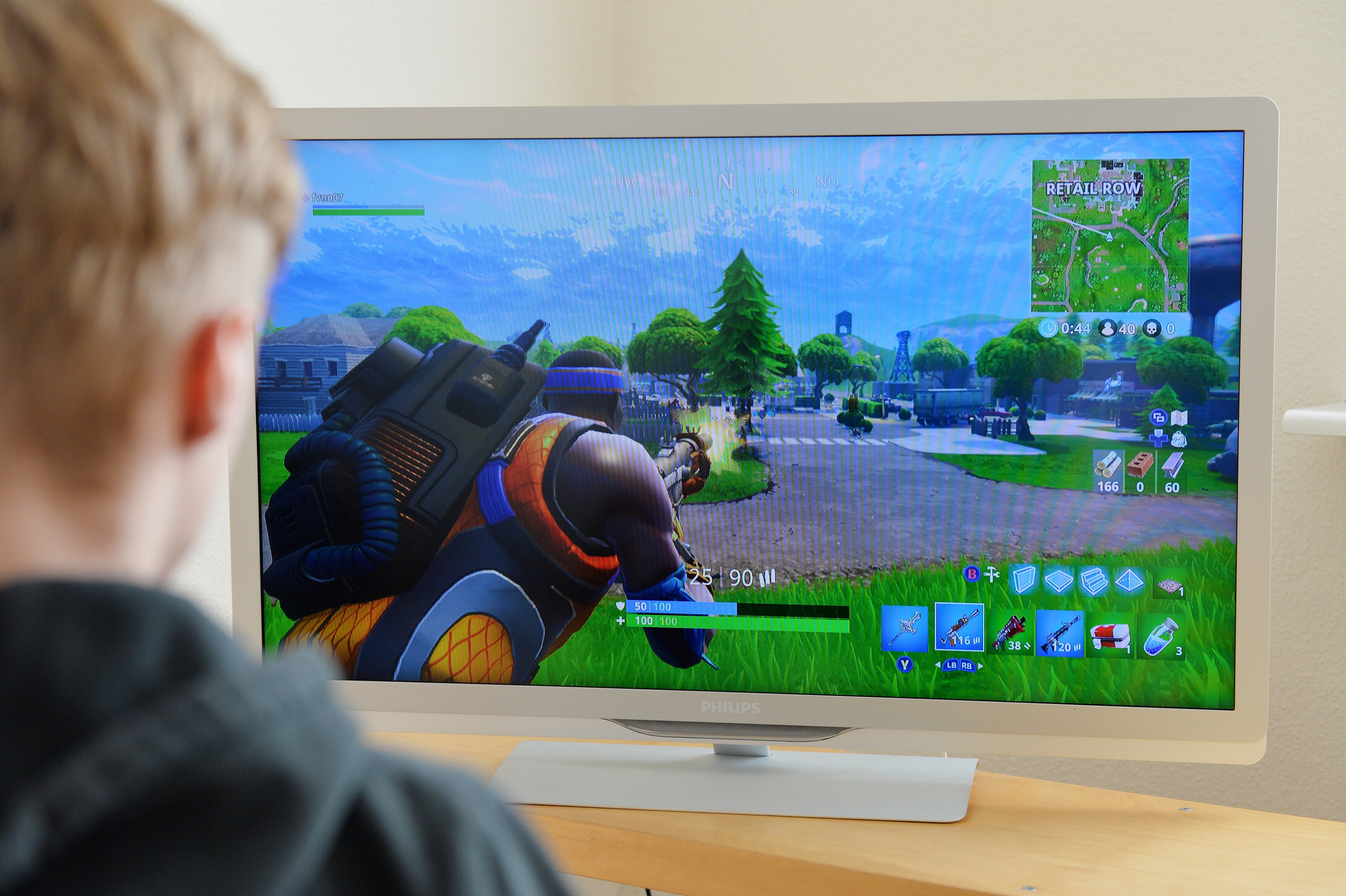 Teen keeps playing Fortnite as tornado rips through town