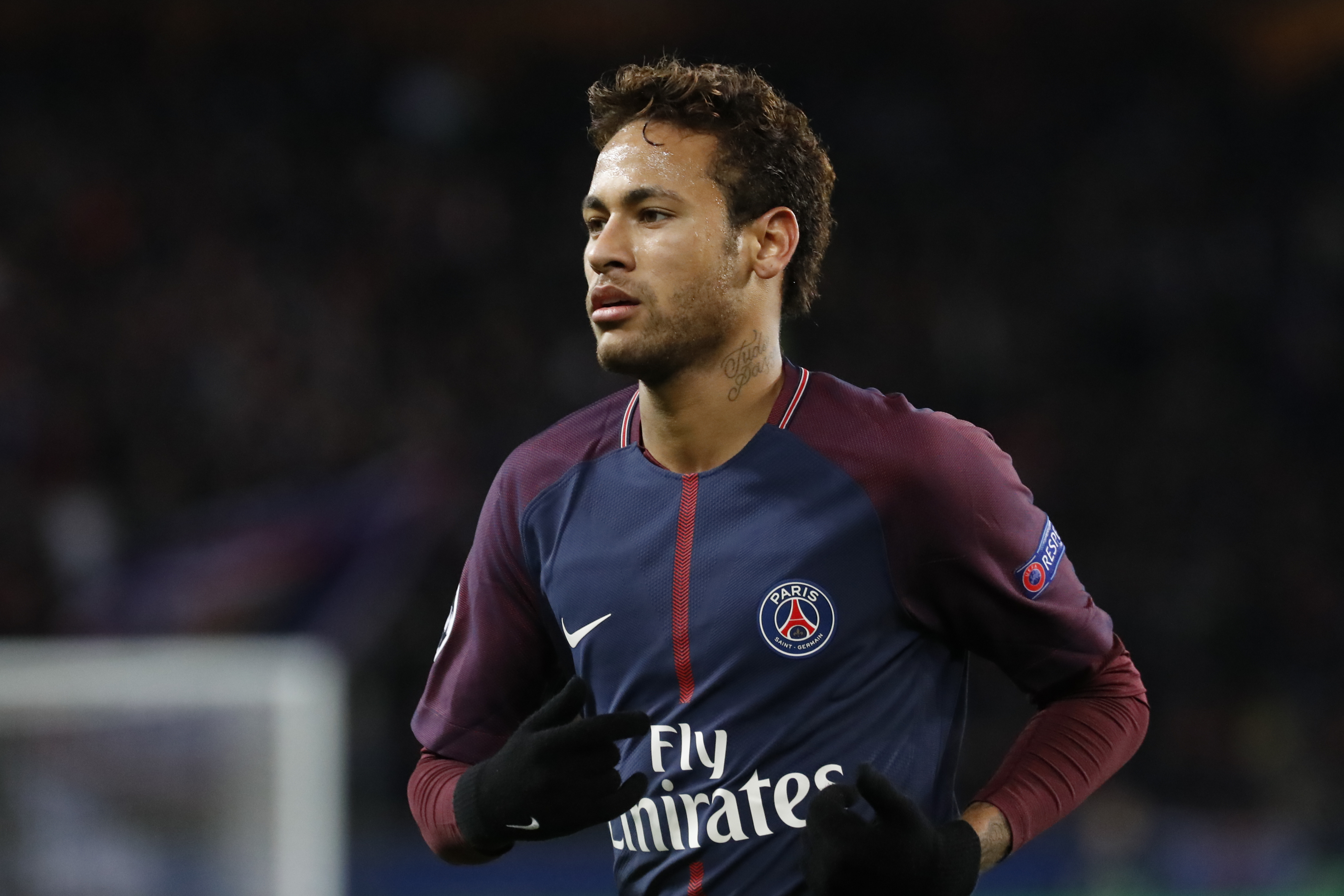Perez tempts Neymar with Ballon d'Or