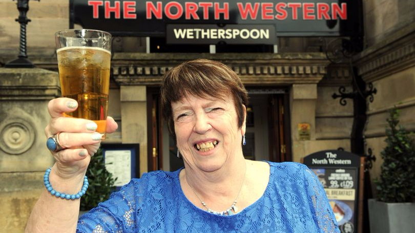 Meet The Pensioner Who's Visited Over A Thousand Wetherspoons