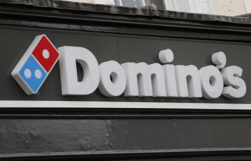 Woman Orders Some Chicken Wings From Domino's, Gets $5,000 Instead