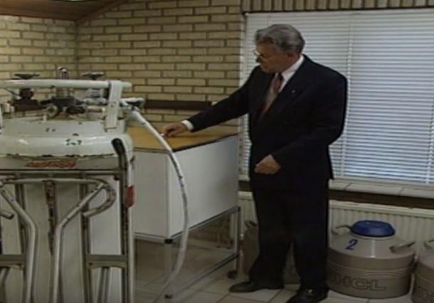 Jan Karbaat busy at work. Credit: YouTube/Euronews