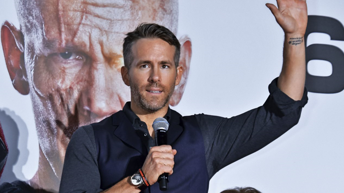 Ryan Reynolds Trolls Mark Wahlberg's Ridiculous Daily Schedule