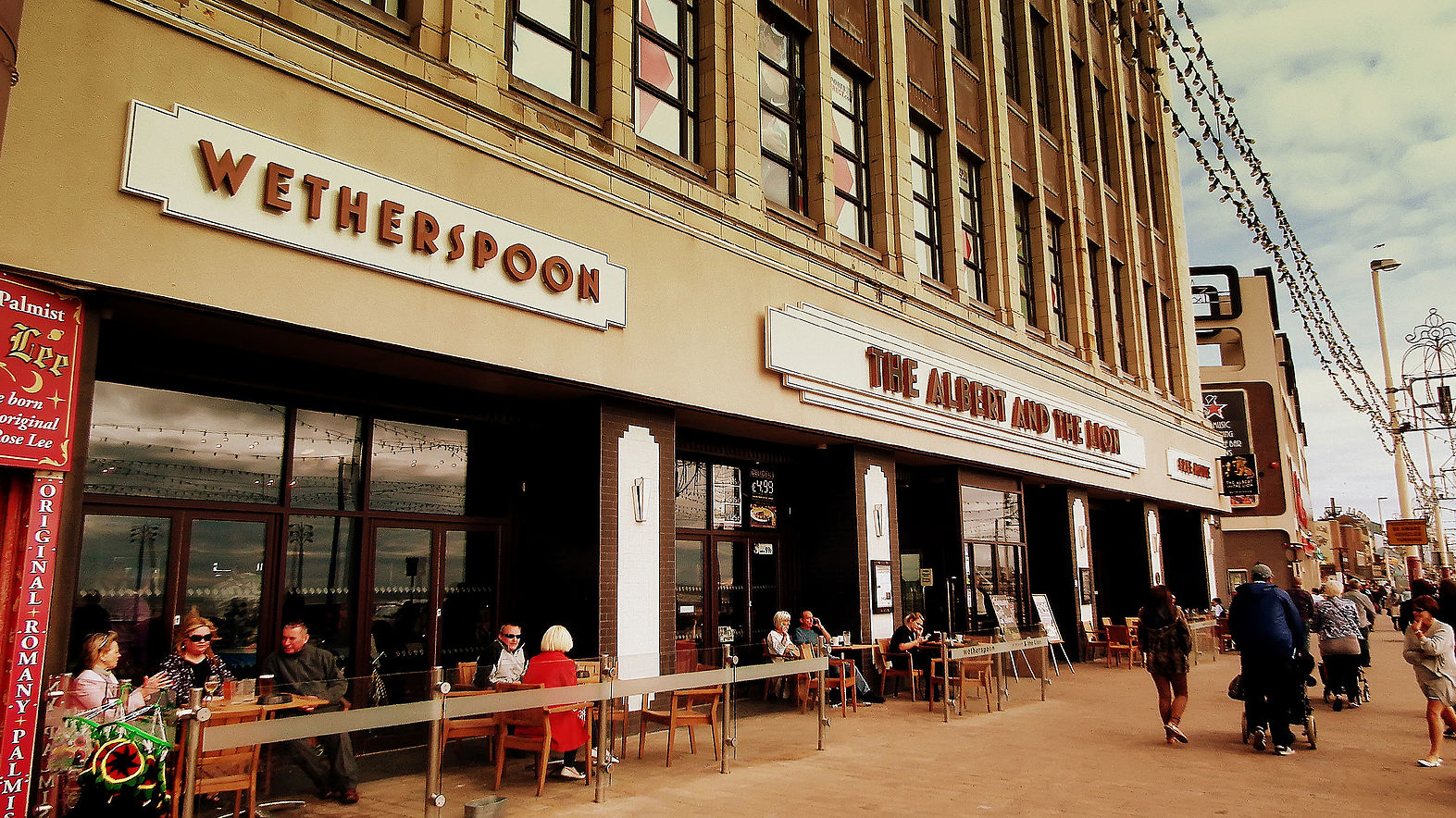 Dogs banned from all Wetherspoons pubs from tomorrow
