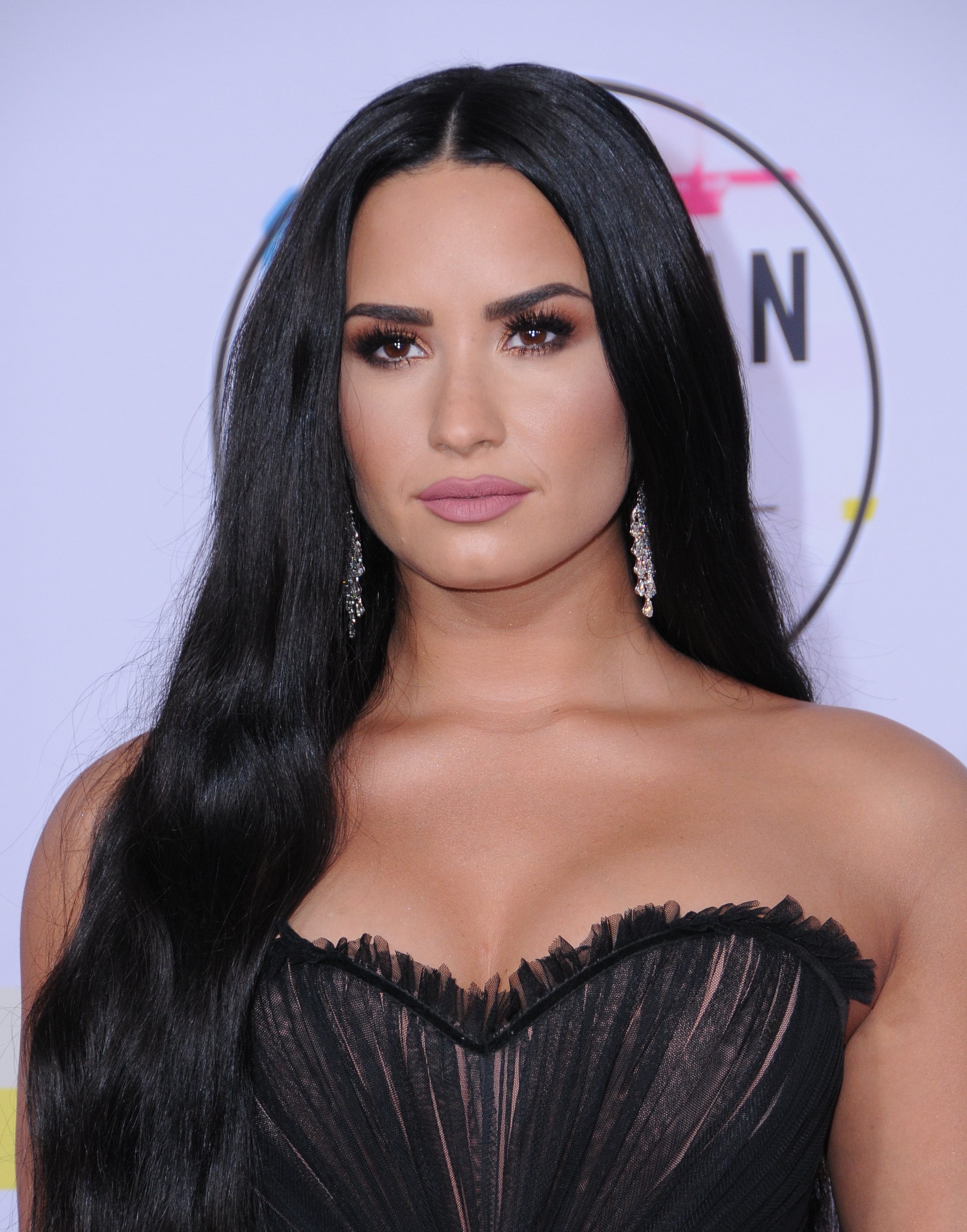 Demi Lovato Now Awake And Surrounded By Family Members, Representative Says