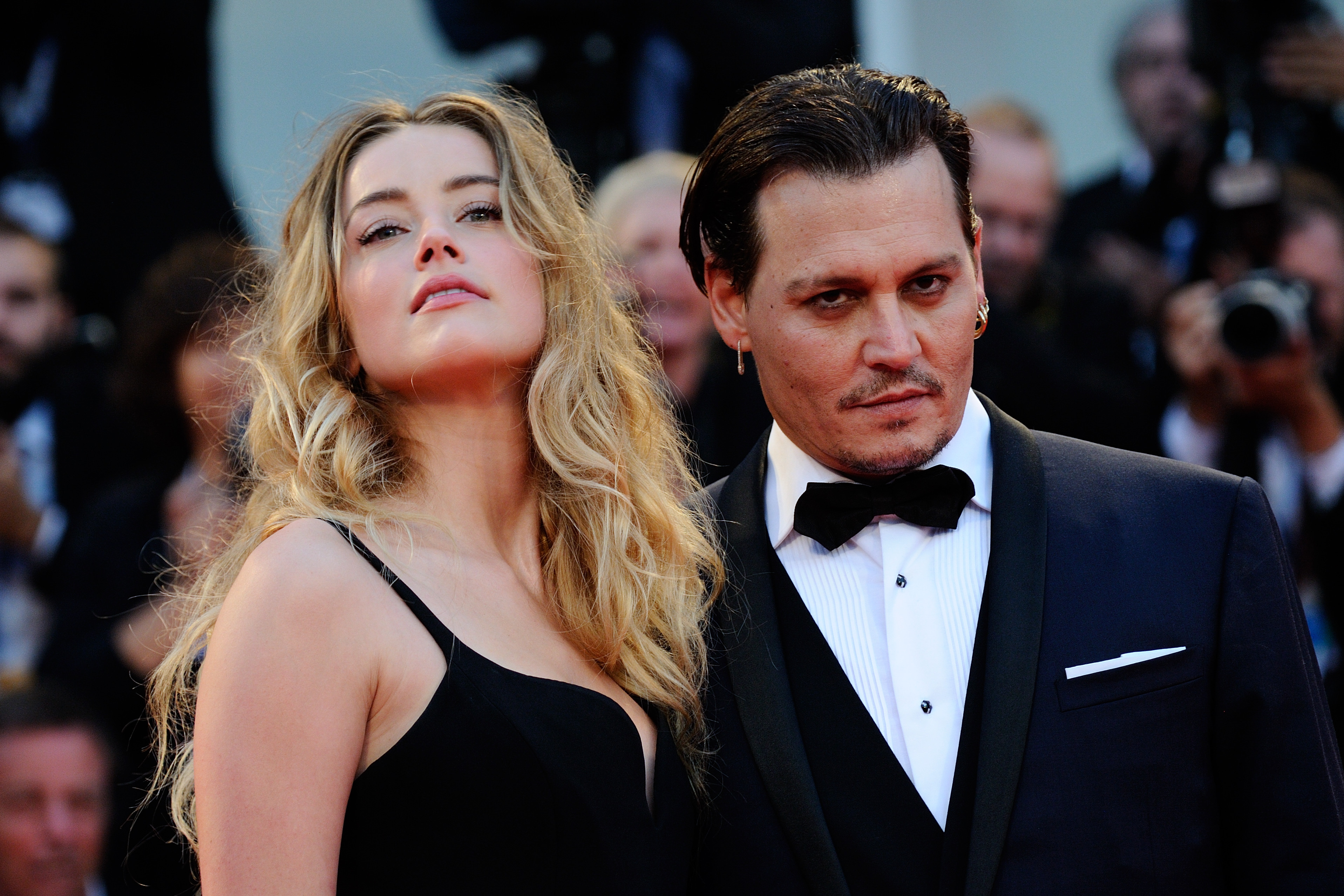 Johnny Depp Changes Amber Heard Knuckle Tattoo Again Ladbible