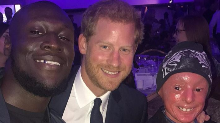 Prince Harry Is a LAD As He Photobombs Stormzy At WellChild Awards