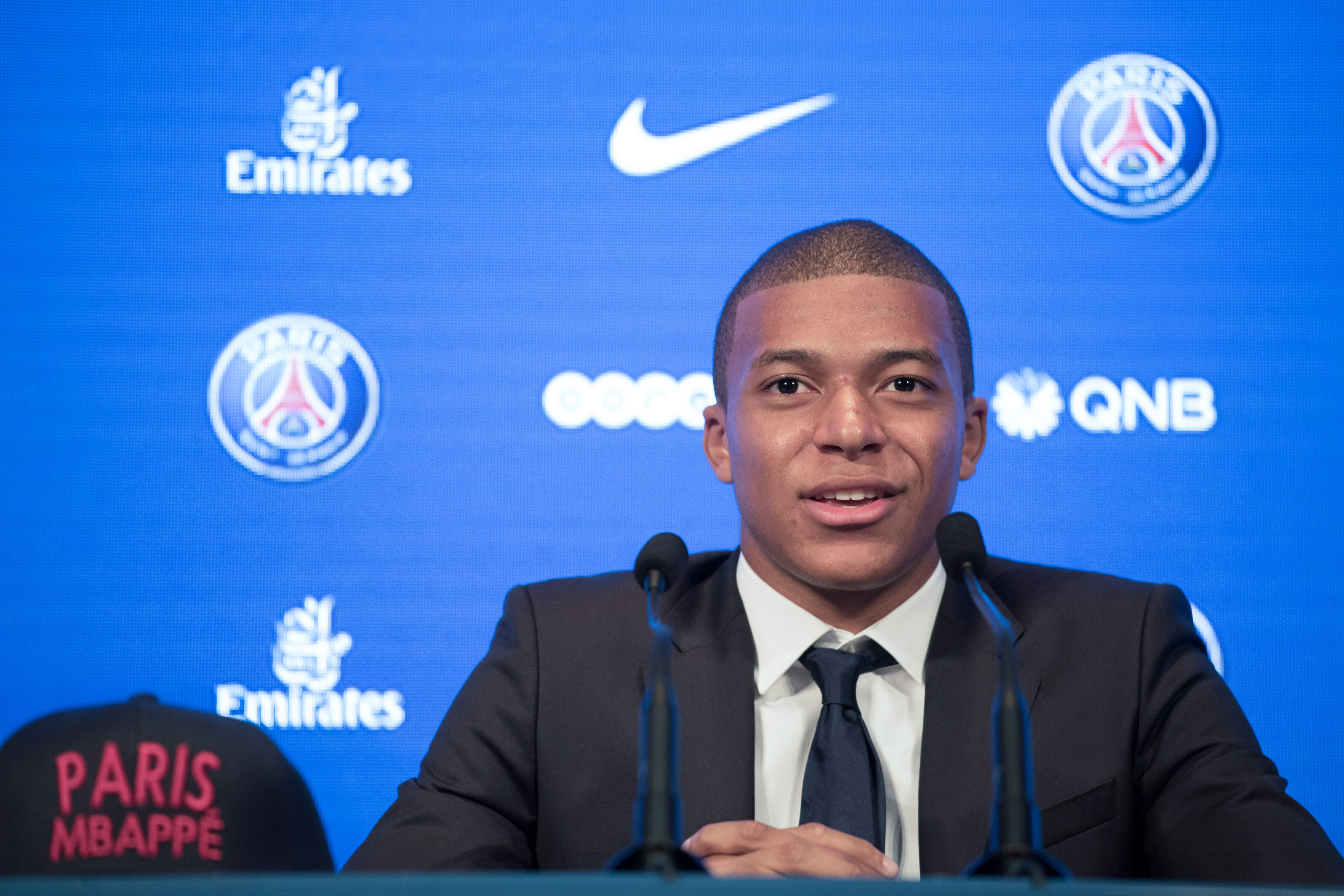 Mbappe scores on PSG debut