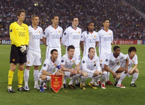 van der sar lines up with Ronaldo and Rooney. Image: PA