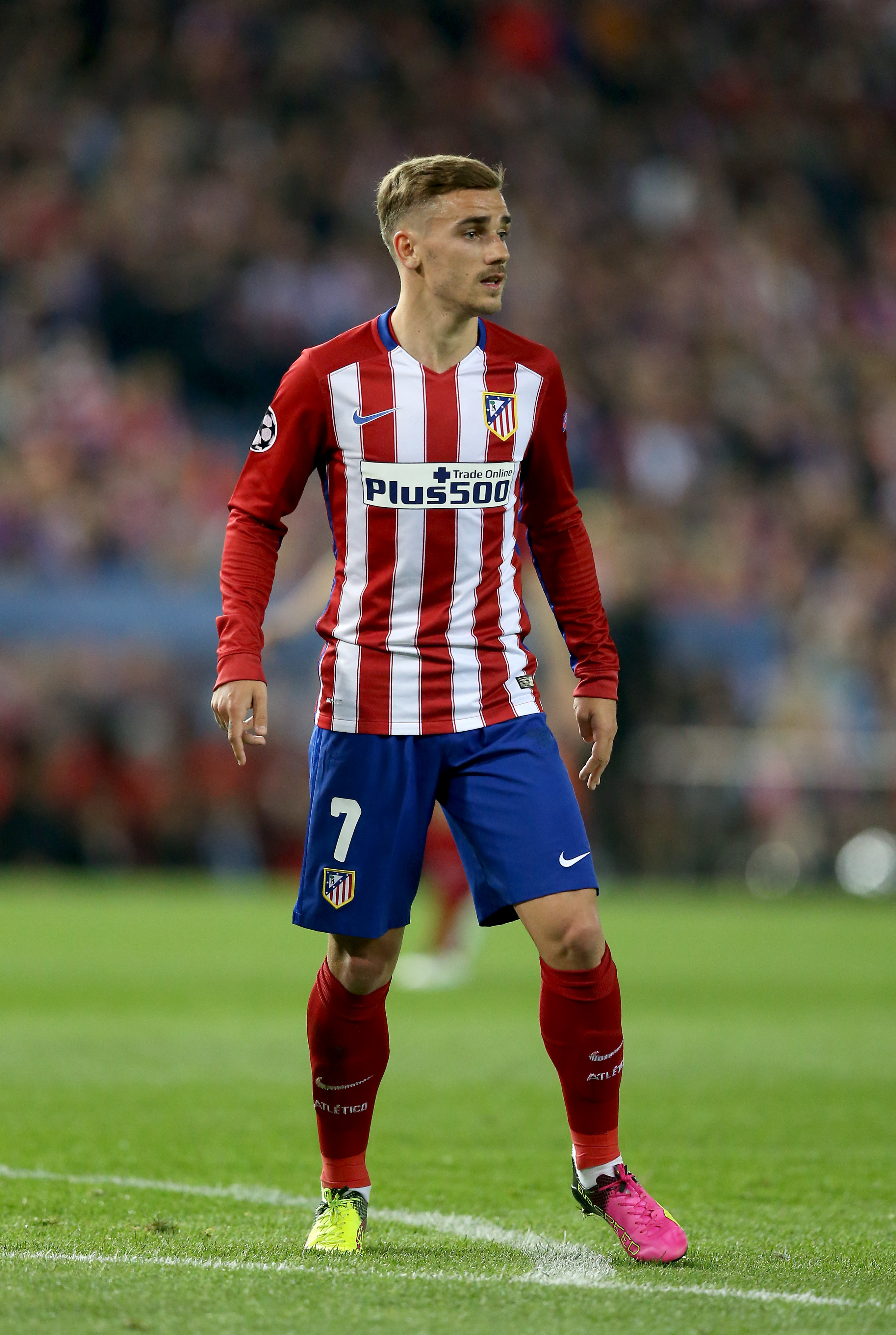 huge discount 5d2a4 78d1c There's A Reason Why Antoine Griezmann Never Wears A Short ...