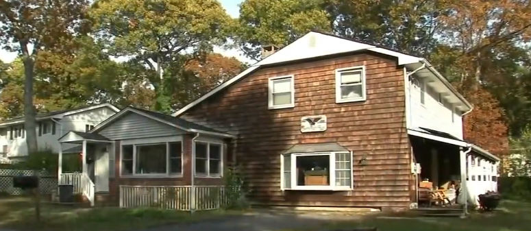 Man Finds Missing Dad's Skeleton In Basement After Hiring Ghost Hunters. Credit: ABC