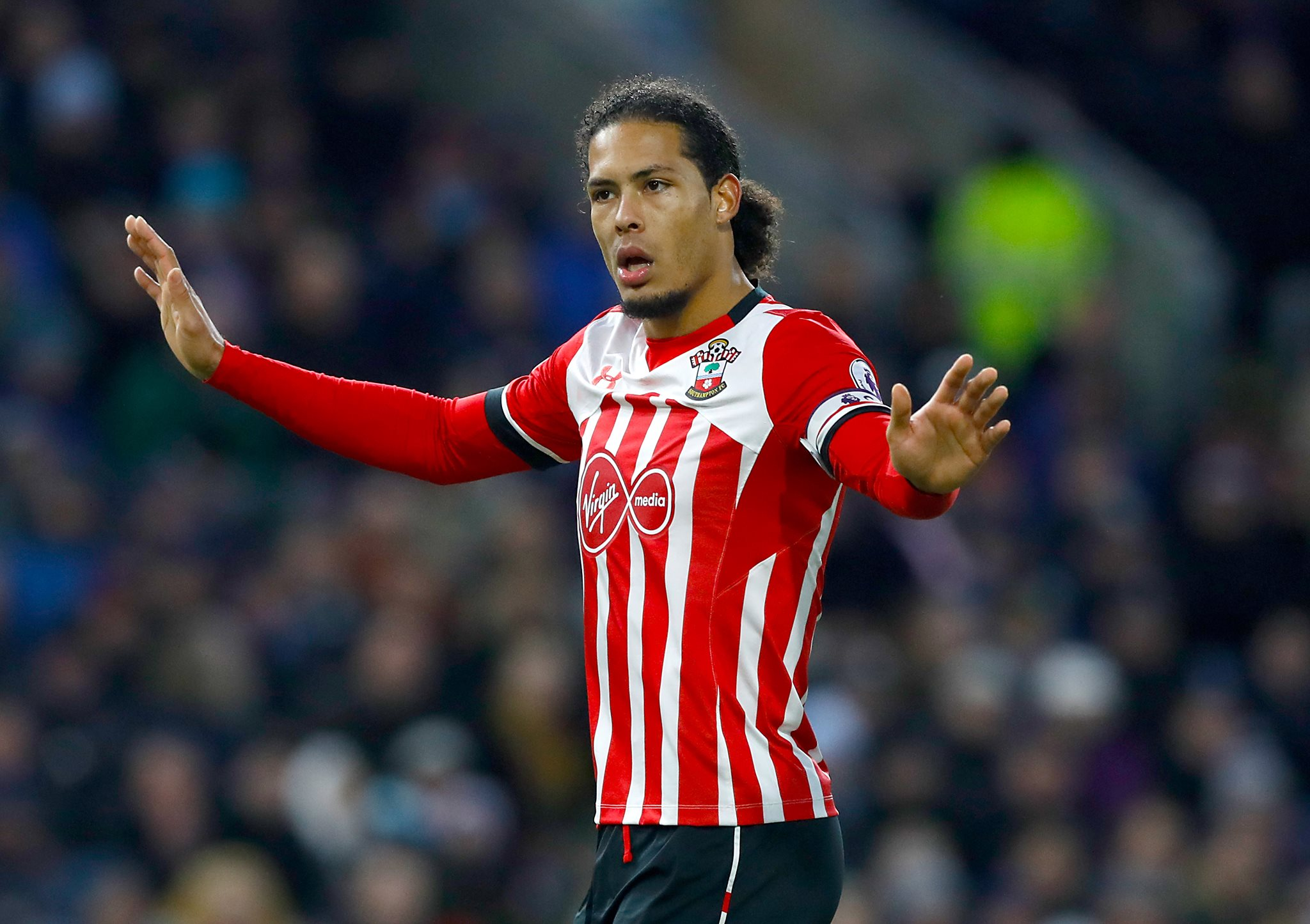 Liverpool apologise to Southampton over approaching defender Van Dijk