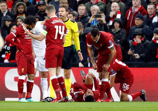 'Devastated' Alex Oxlade-Chamberlain Posts Classy Message After Sustaining Injury