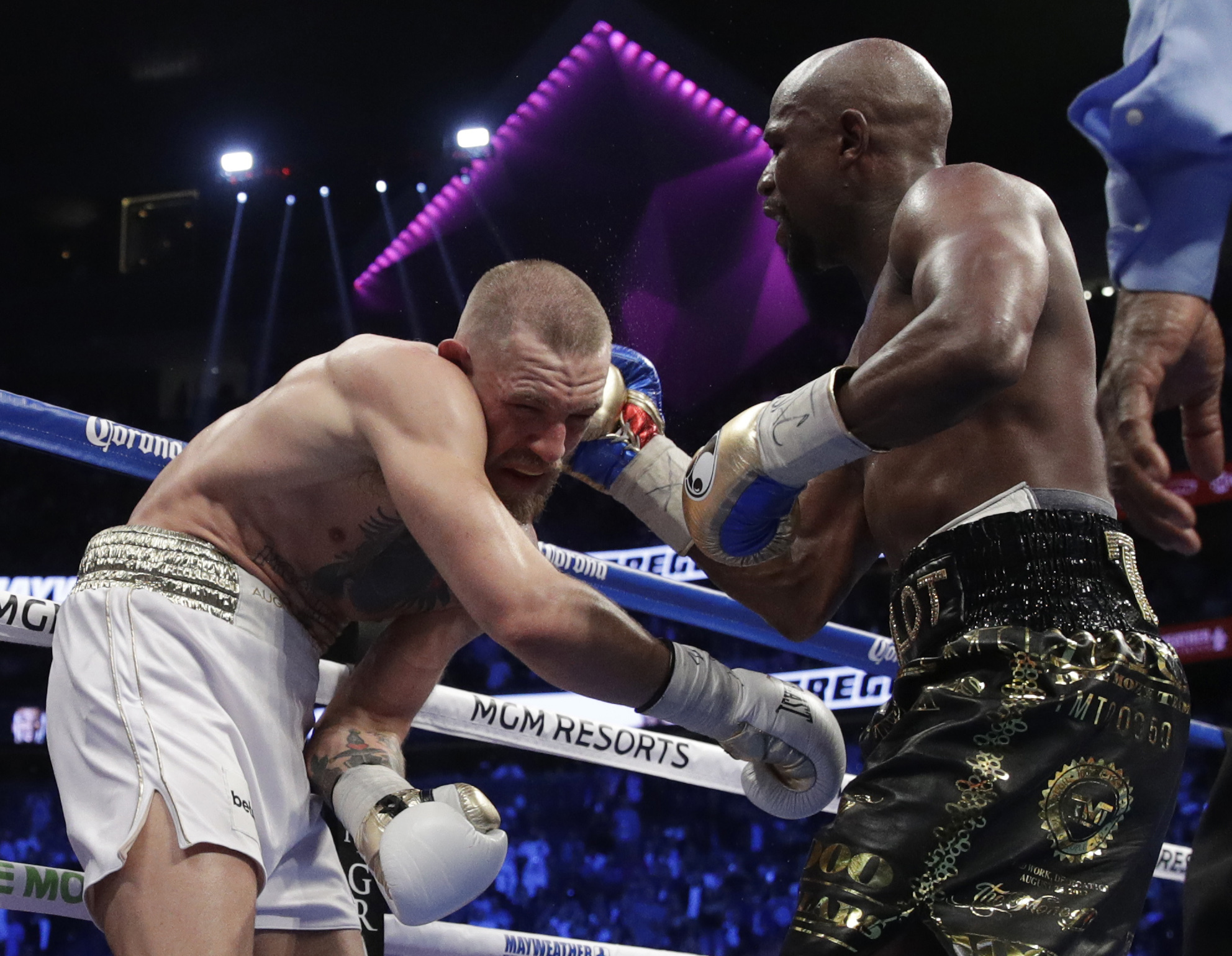 Mayweather refused last-minute prop wagers on fight with McGregor