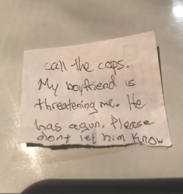 Woman escapes armed boyfriend by slipping note to veterinarian