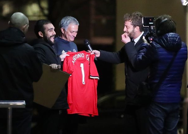 Chelsea boss Conte and British football pundits slam VAR