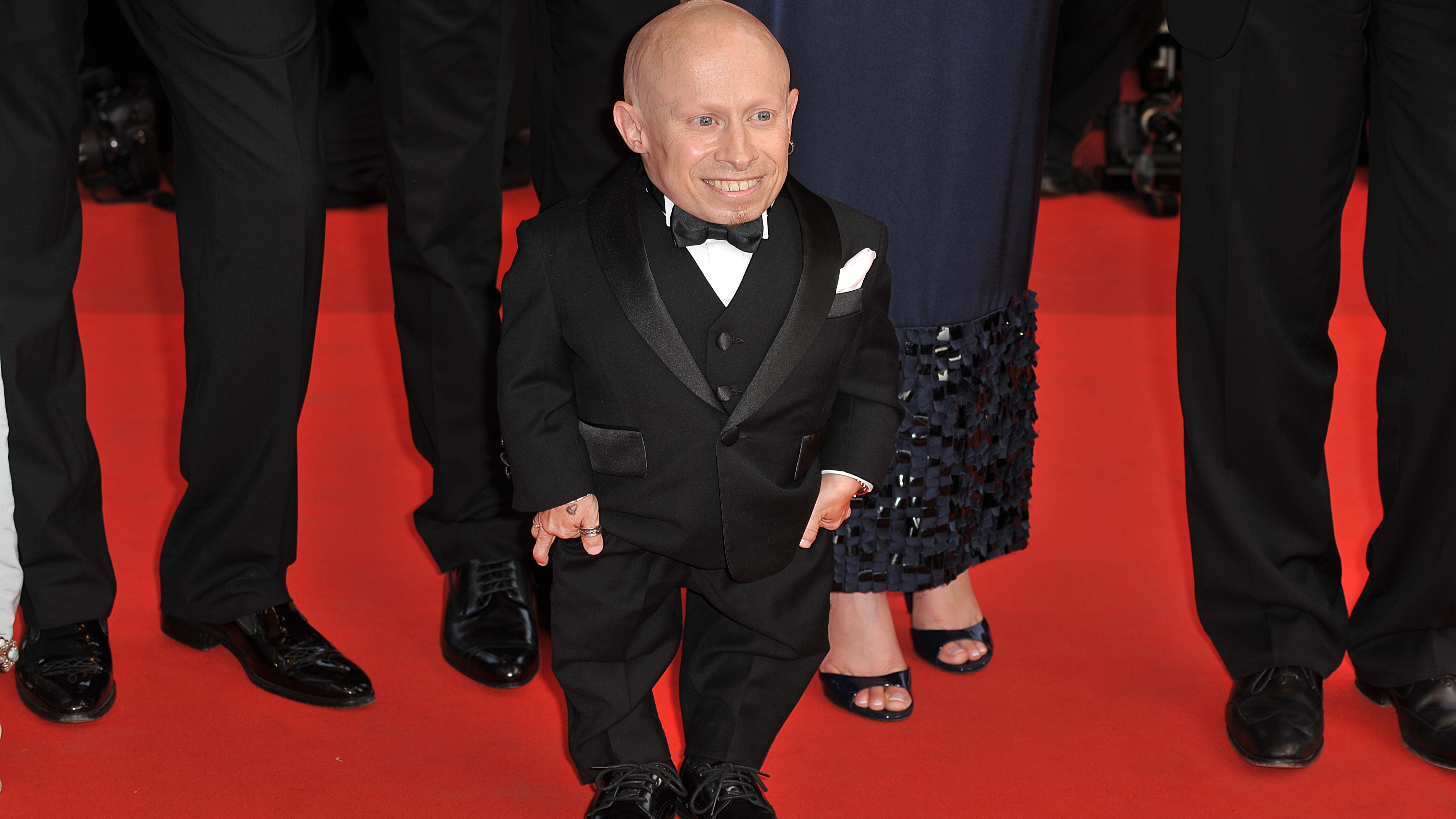 Mike Myers Pays Tribute To Verne Troyer