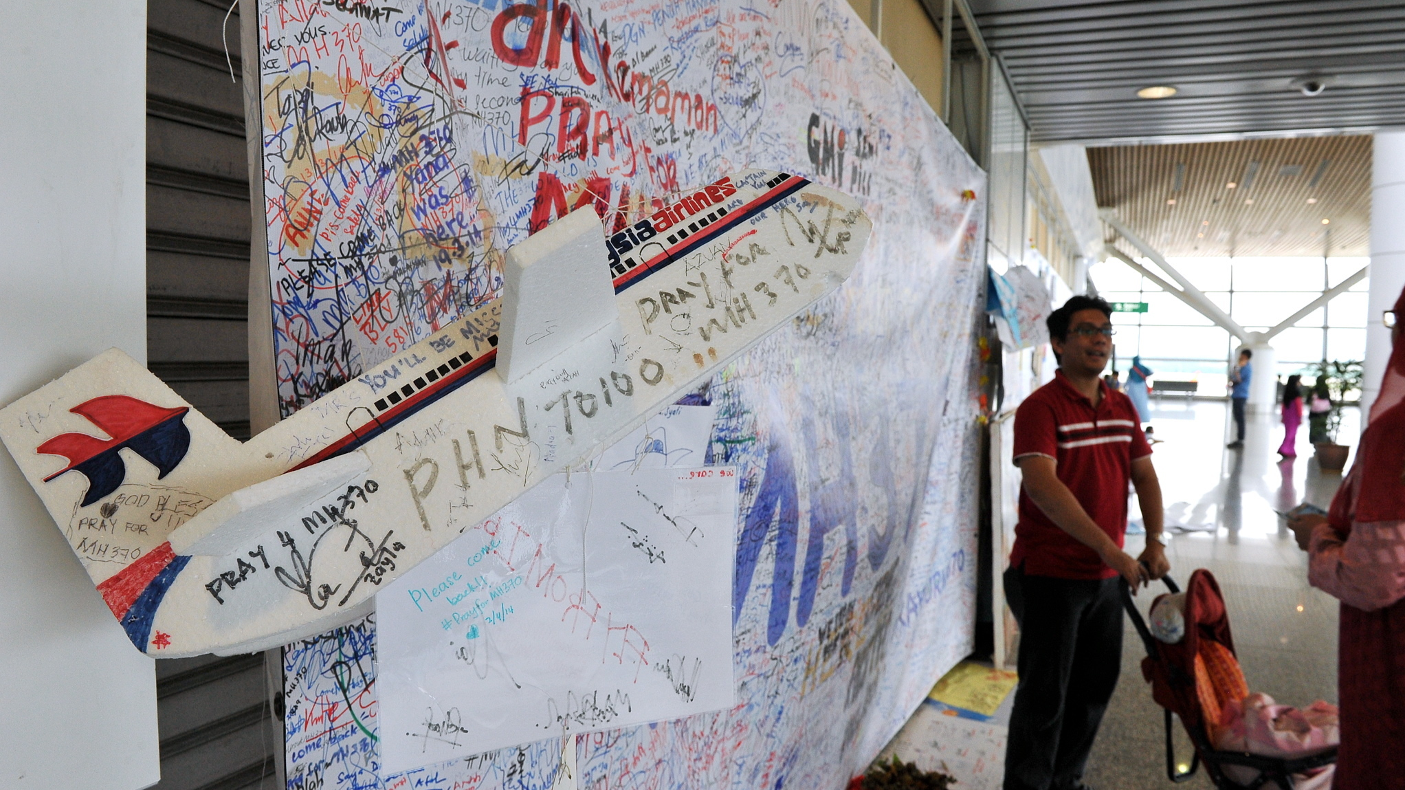 Pilot Claims Australian Transport Safety Bureau 'Complicit In Crime' Over MH370 Case