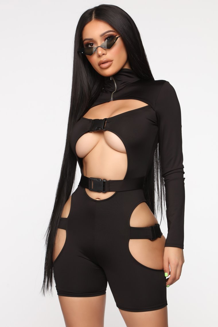 If you are confident enough to wear this, I salute you. Credit: Fashion Nova